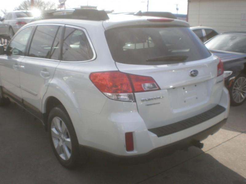 Subaru Outback 2012 price $6,498