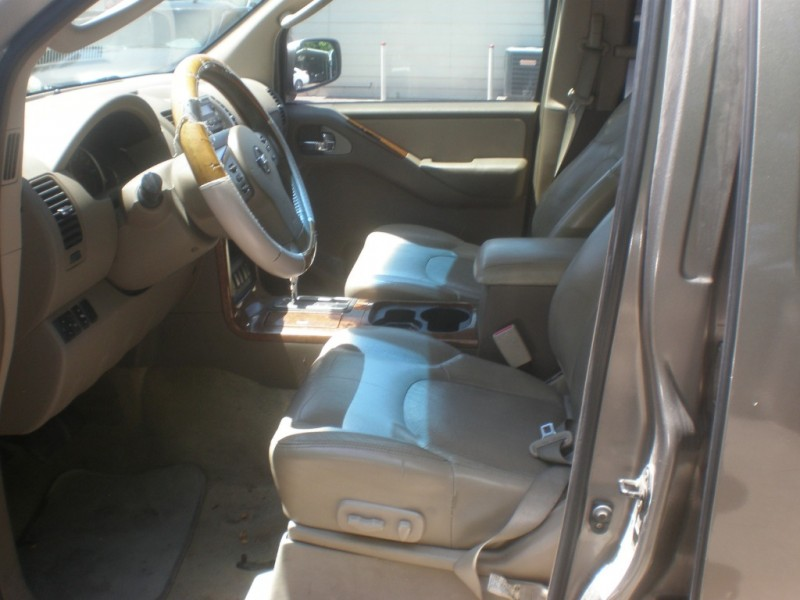 Nissan Pathfinder 2006 price $3,495