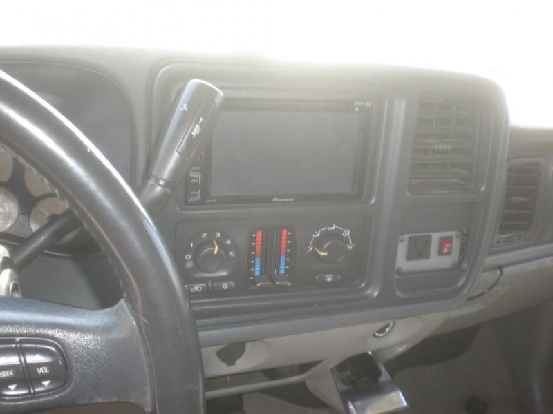 Chevrolet Avalanche 2005 price $4,998