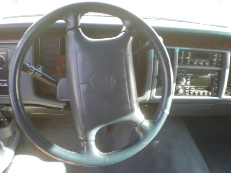 Cadillac Fleetwood 1996 price $3,998