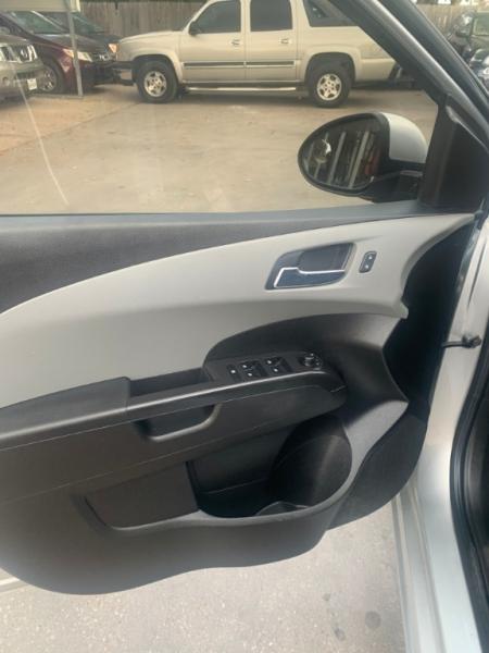 Chevrolet Sonic 2014 price $5,995