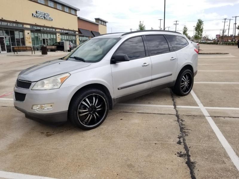 Chevrolet Traverse 2010 price $4,499
