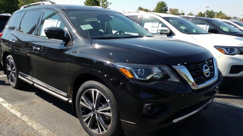 Nissan Pathfinder 2017 price $9,998
