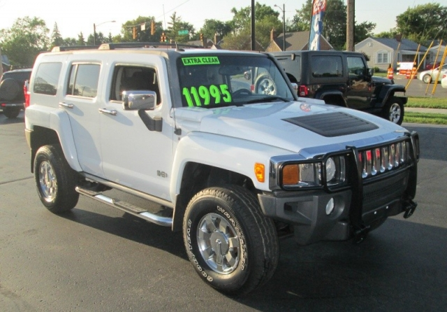2006 HUMMER H3 4X4 SUV**SHARP WHITE!**EXTRA CLEAN INSIDE AND OUT ...
