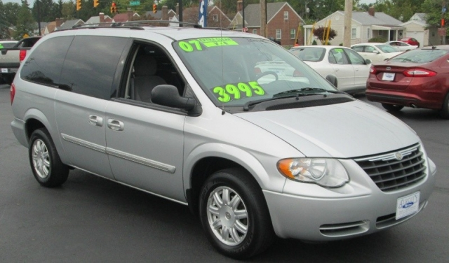 2007 Chrysler TOWN  & COUNTRY TOURING EDITION