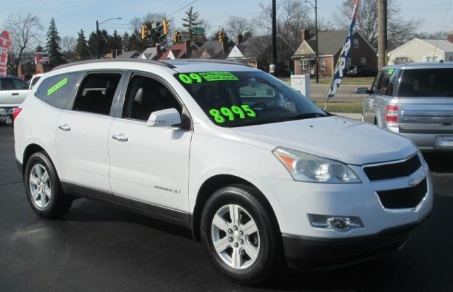 2009 Chevrolet TRAVERSE LT2 W/3RD ROW