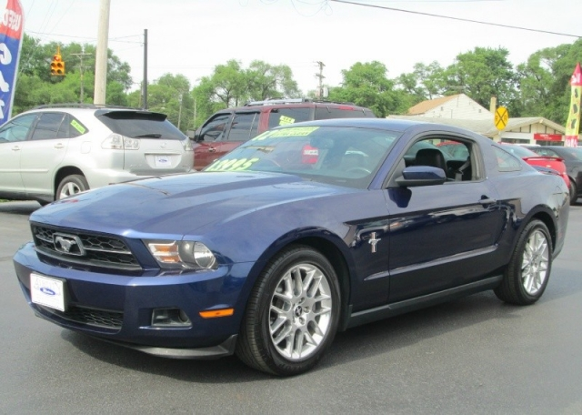 2012 Ford MUSTANG 2DR COUPE PREMIUM