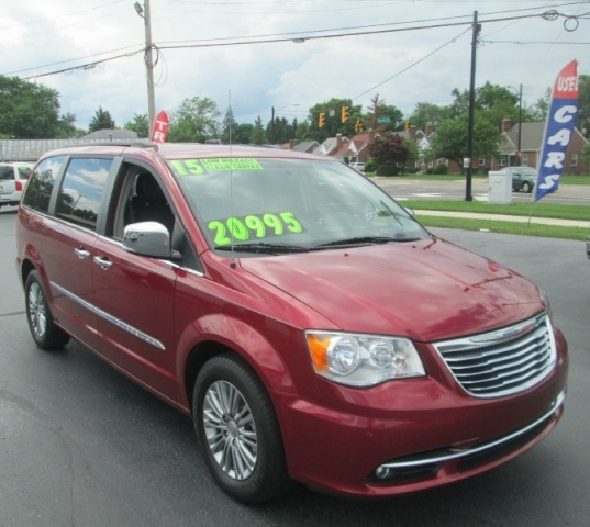 2015 Chrysler TOWN & COUNTRY TOURING-L EDITION/DVD