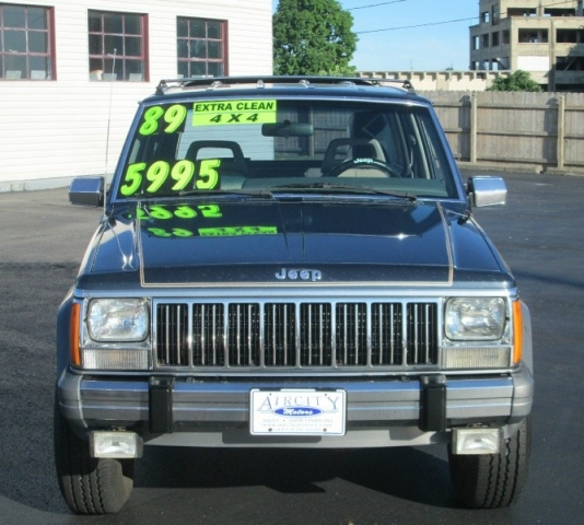 1989 Jeep CHEROKEE LAREDO SPORT 4X4