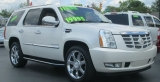 Cadillac ESCALADE AWD LUXURY SUV 2011