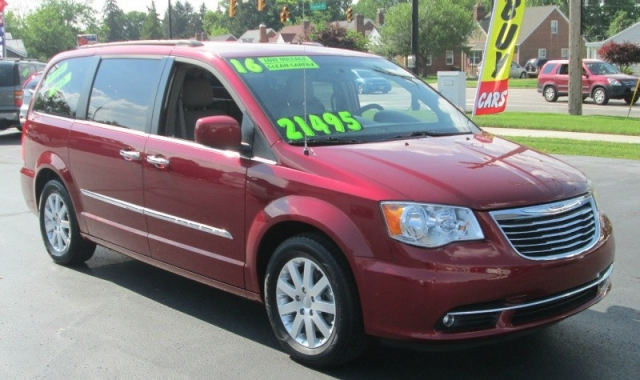 2016 Chrysler TOWN & COUNTRY TOURING EDITION