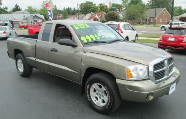 2006 Dodge DAKOTA CLUB CAB SLT 4X4