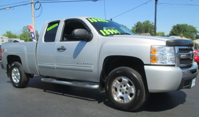 2010 Chevrolet SILVERADO LT EXT CAB 4X4