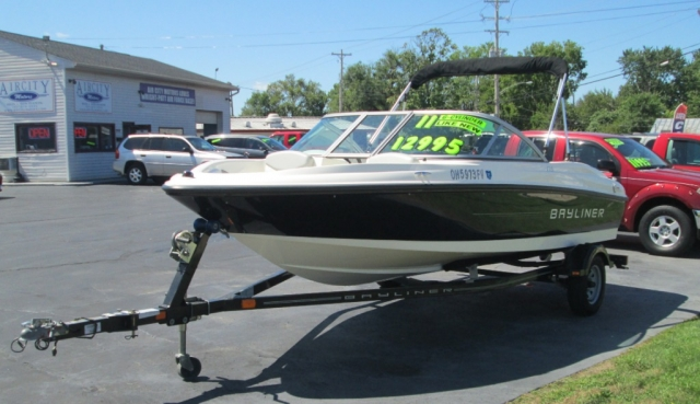 2011 - BAYLINER 175 OPEN BOW RUNABOUT