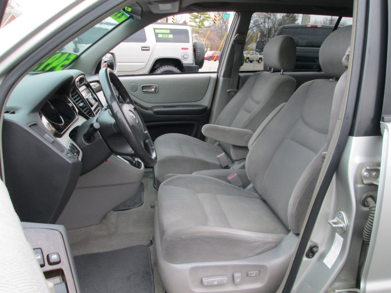 Toyota HIGHLANDER V-6 4WD 2001 price $4,995