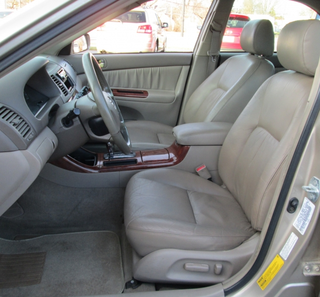 Toyota 2002 CAMRY XLE V-6**LEATHER!**SUNROOF!** 2002 price $3,995