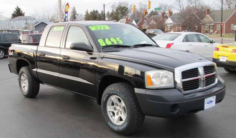 Dodge DAKOTA 4X4 QUAD CAB 2006 price $7,795