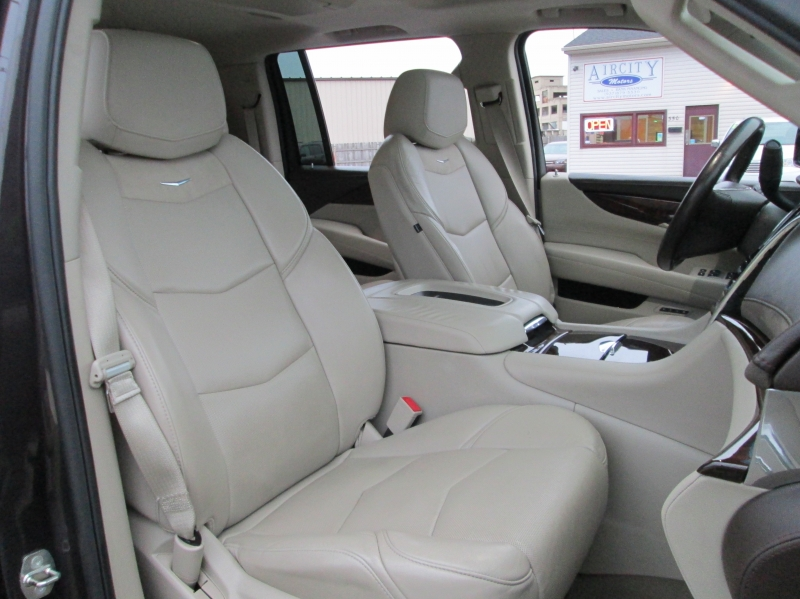Cadillac ESCADLE ESV PREMIUM AWD 2015 price $34,995
