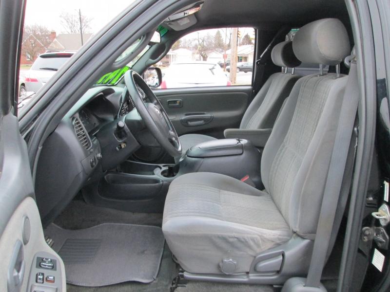 Toyota TUNDRA ACCESS CAB 4X4 V-8 2004 price $7,495