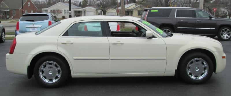 Chrysler 300 LIMITED SEDAN 2005 price $5,495