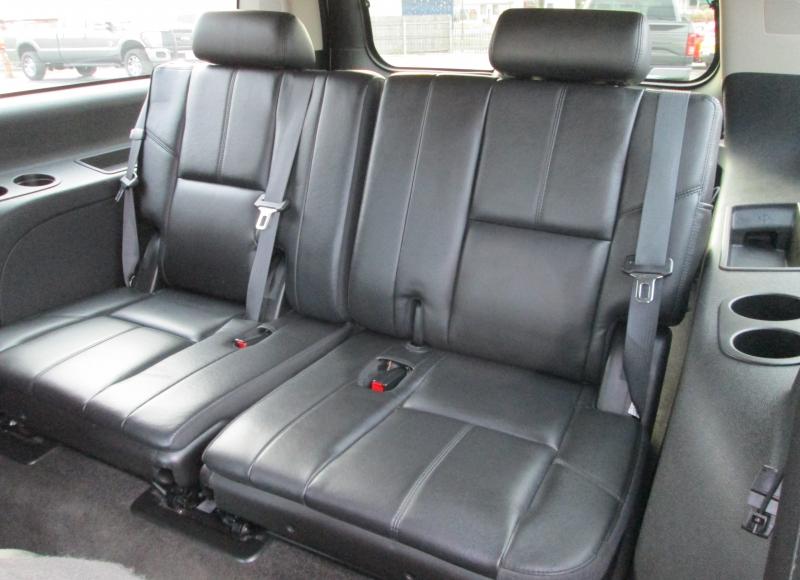 GMC YUKON XL SLT 4X4 2010 price $13,995