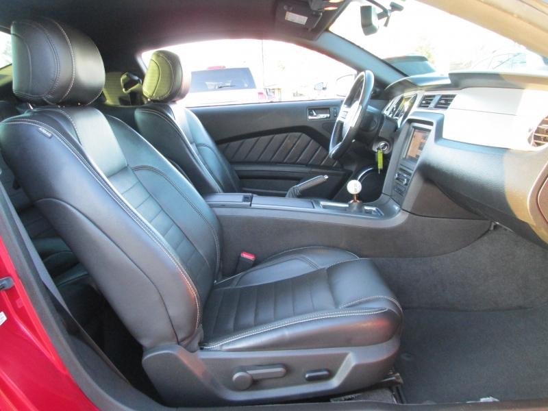 Ford MUSTANG PREMIUM 6 SPEED MANUAL 2013 price $13,495