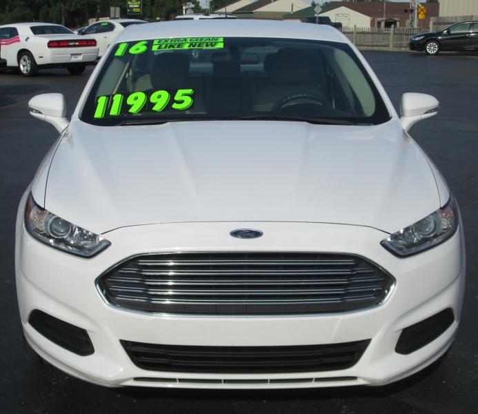 Ford FUSION 4DR SEDAN SE 2016 price $11,995