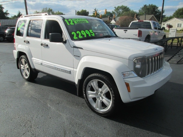 Elegant 2012 Jeep LIBERTY LIMITED JET 4X4