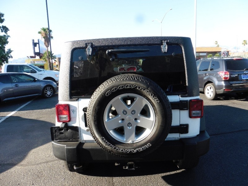 Jeep Wrangler Unlimited 2014 price $26,995