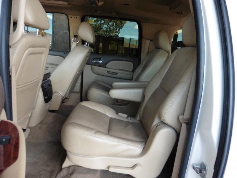 Chevrolet Suburban 2011 price $19,995
