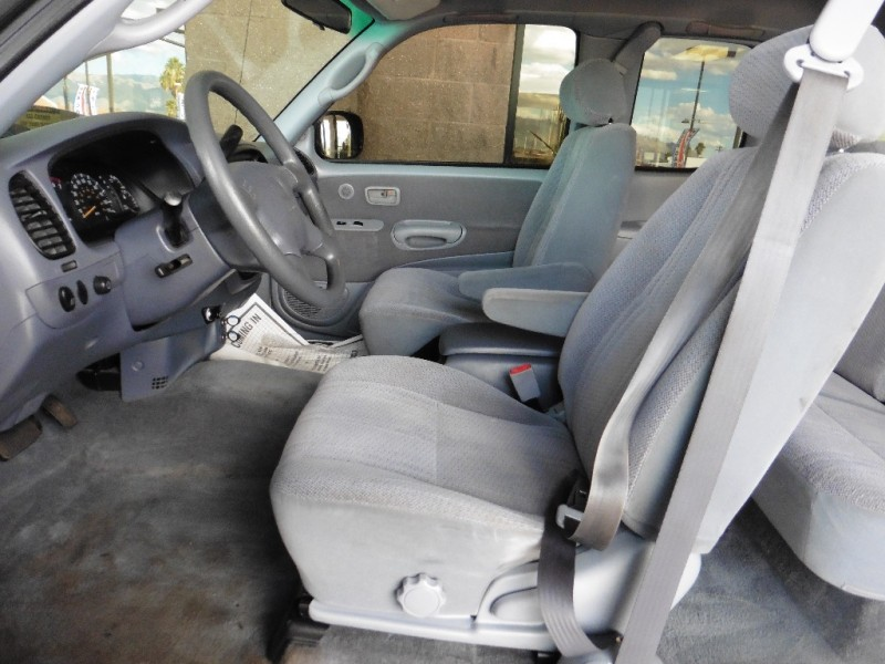 Toyota Tundra 2002 price $7,995