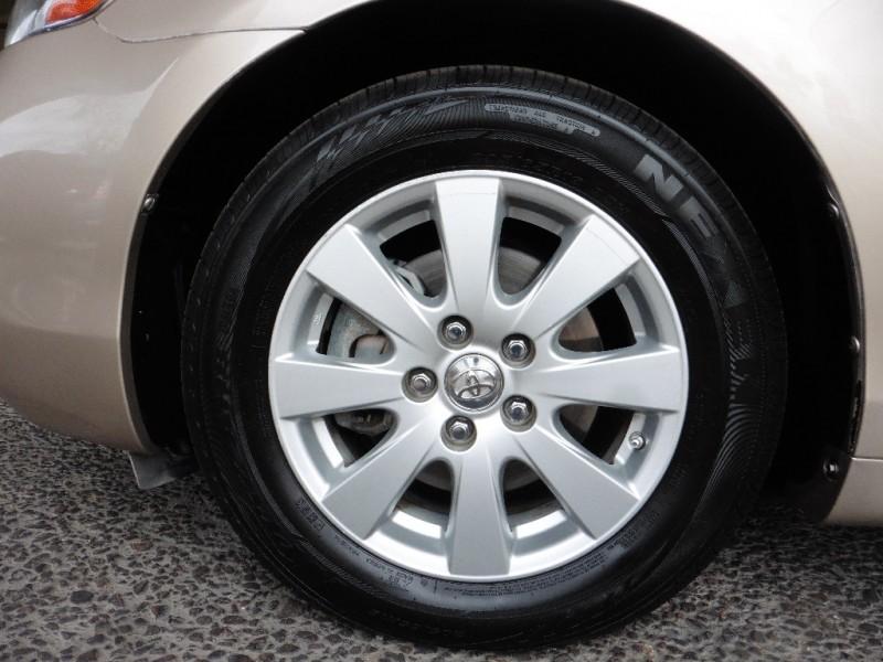 Toyota Camry Hybrid 2007 price $7,995