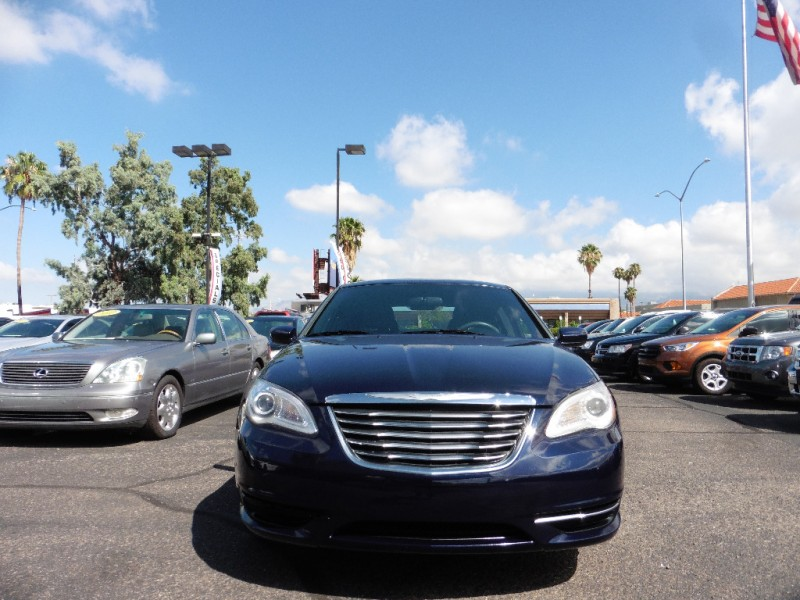 Chrysler 200 2014 price $9,995
