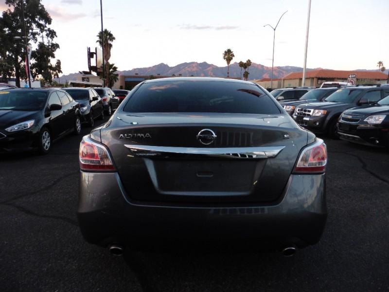 Nissan Altima 2015 price $12,995
