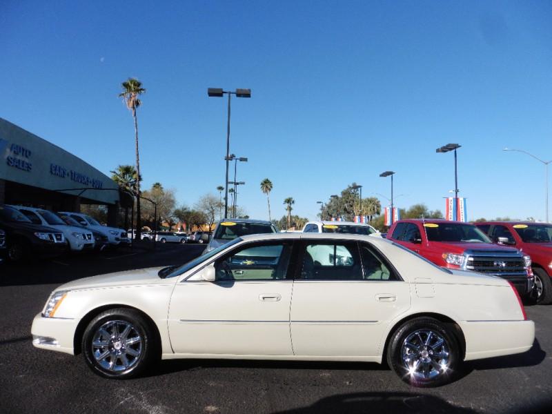 Cadillac DTS 2011 price $13,995