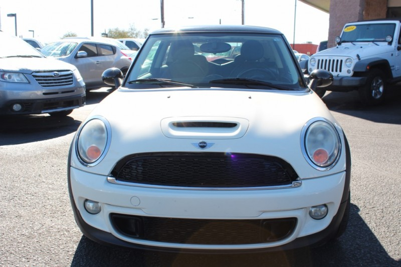 Mini Cooper Hardtop 2011 price $9,995