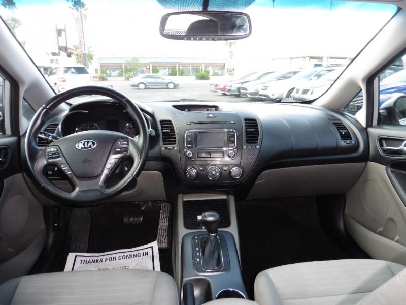 Kia Forte 5-Door 2015 price $11,995