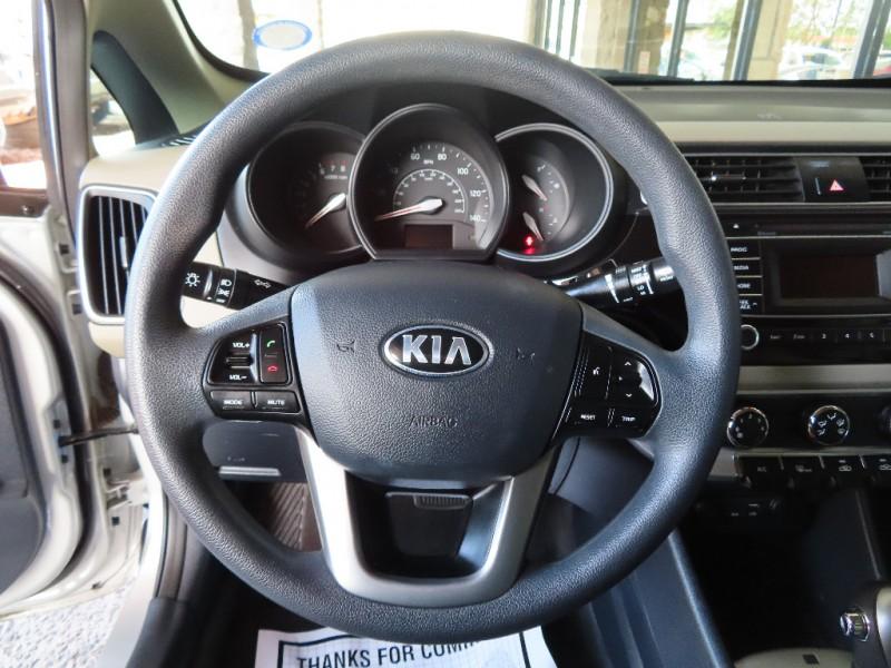 Kia Rio 2016 price $9,995