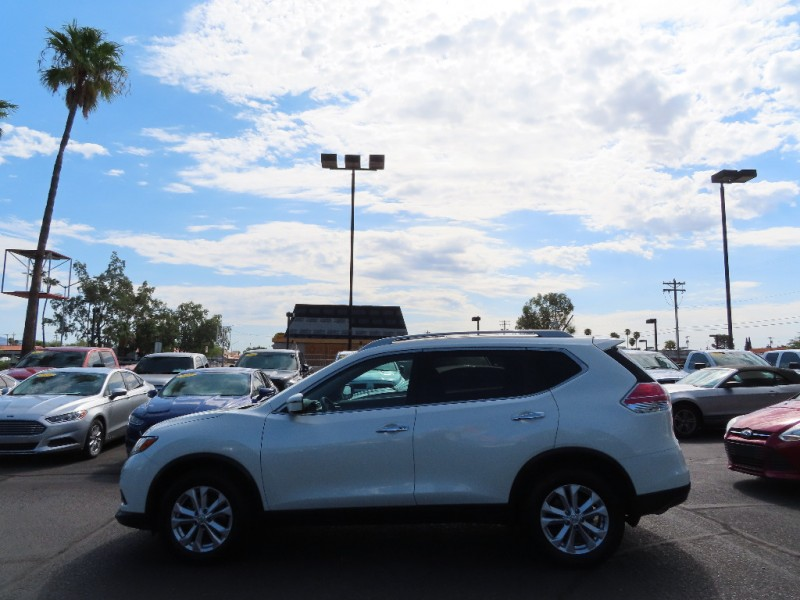 Nissan Rogue 2016 price $17,995