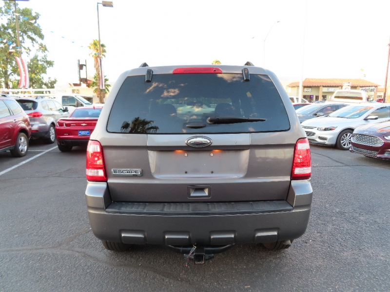 Ford Escape 2011 price $9,995