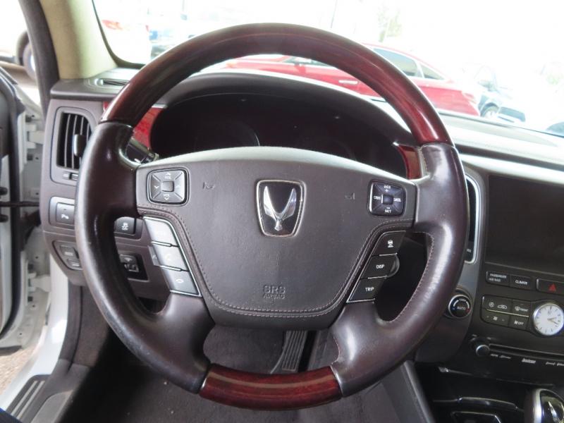 Hyundai Equus 2013 price $14,995