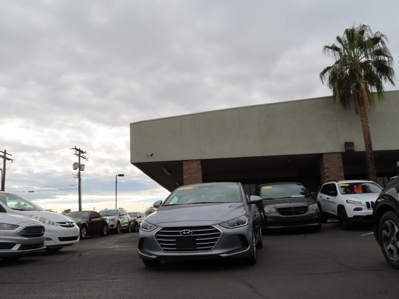 Hyundai Elantra 2017 price $11,795