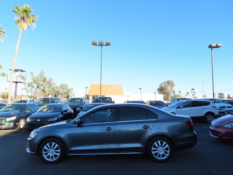 Volkswagen Jetta 2017 price $12,995