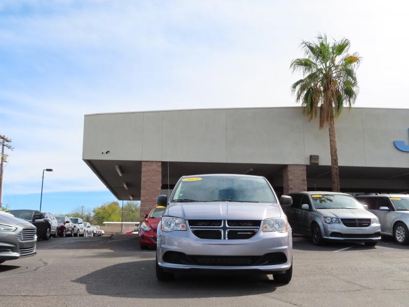 Dodge Grand Caravan 2015 price $9,995