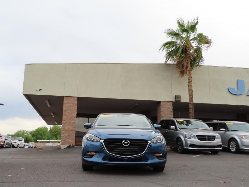 Mazda Mazda3 5-Door 2018 price $14,995