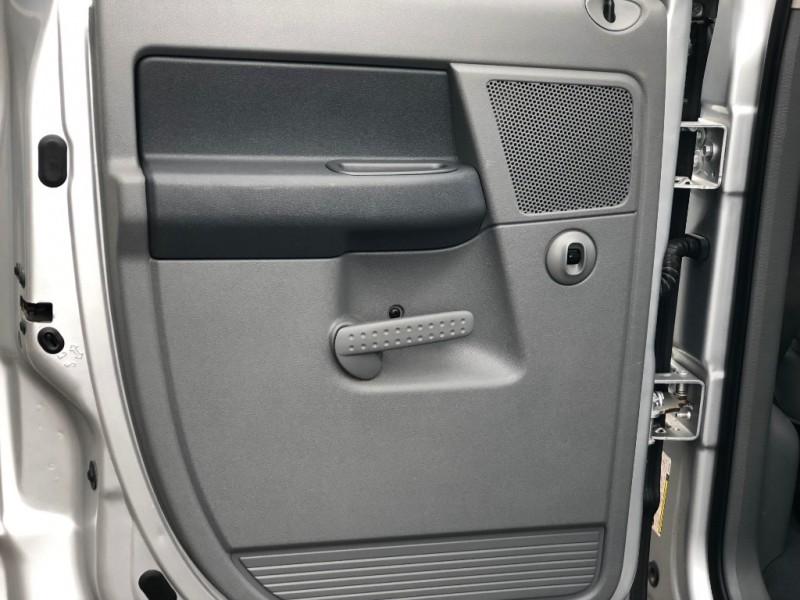 Dodge 2500 SLT 4X4 2007 price $17,995