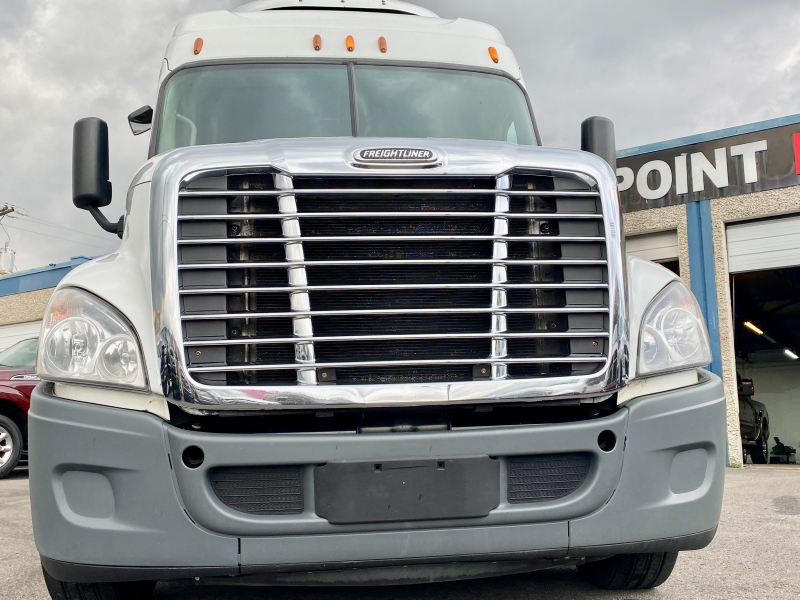 Freightliner Cascadia 125SLP 2015 price $37,900