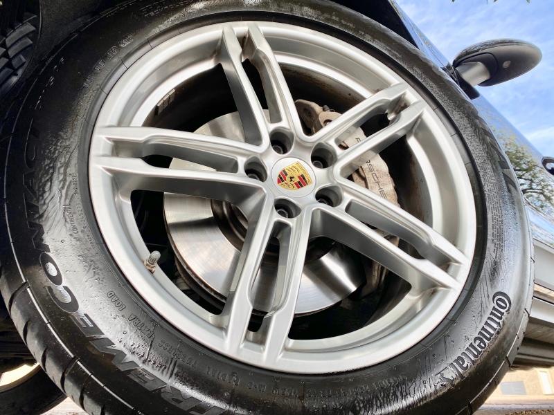 Porsche MACAN S AWD 2015 price $26,995