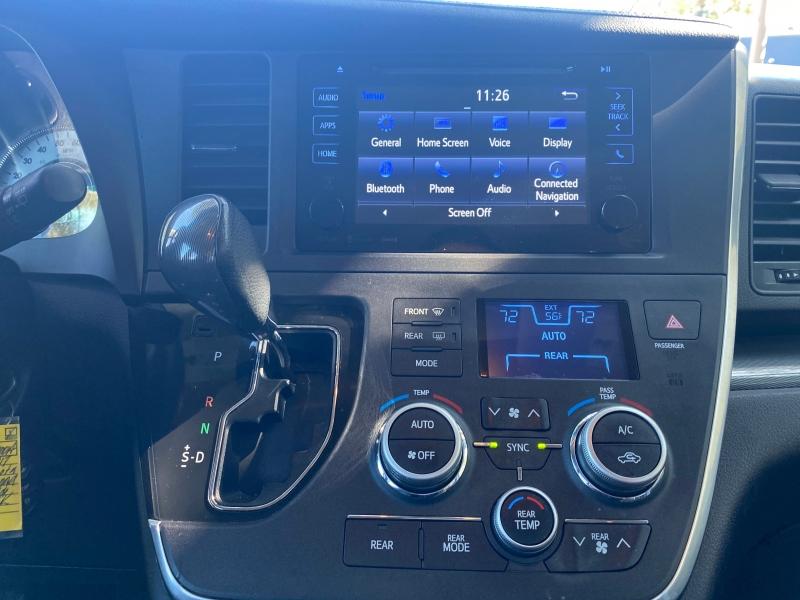 Toyota Sienna 2017 price $19,995