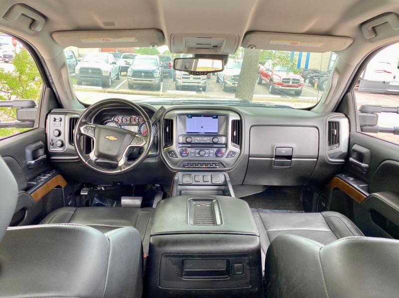Chevrolet SILVERADO LTZ 4X4 2018 price $35,500